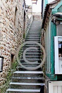 Trappen Le Mont-Saint-Michel; Normandie; eiland Frankrijk